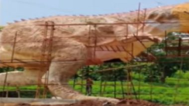 Gujarat: 30-Feet Tall Dinosaur Statue in Vicinity of Statue of Unity Collapses, Watch Video