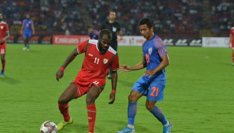 India Lose to Oman 2-1 in FIFA World Cup Qualifiers 2022 Football Match After Al Mandhar's Late Brace; Netizens React to Sunil Chhetri-Led Side's Heart-Breaking Defeat!