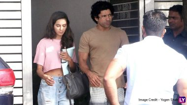 Farhan Akhtar Spends Quality Time with His Daughters Shakya-Akira and GF Shibani Dandekar at Zoya Akhtar's Residence (View Pics)