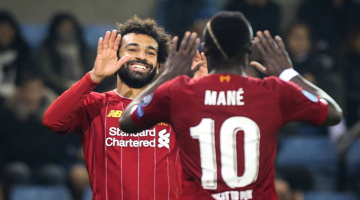 Mohamed Salah Stands Tall After being Fouled by Kalidou Koulibaly During Liverpool vs Napoli, Champions League 2019-20 (Watch Video)