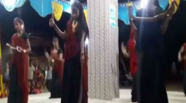 Dancing With Snakes! Three Women Held in Junagadh for Performing Garba Holding Reptiles (Watch Video)