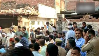 Uttar Pradesh Building Collapse: 7 Dead, Several Feared Trapped After Two-Storey Building Collapses in Mohammadabad Following a Cylinder Blast