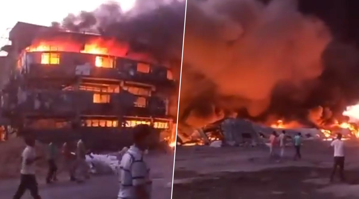 Gujarat Fire: Massive Blaze Engulfs Plastic Factory in Kutch, Goods Worth Crores of Rupees Damaged