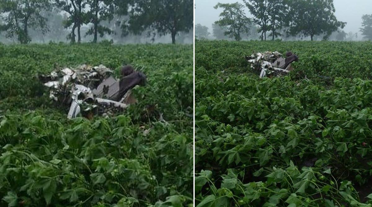 Telangana Plane Crash: 2 Pilots Killed After Trainer Aircraft Crashes at Sultanpur Village in Vikarabad