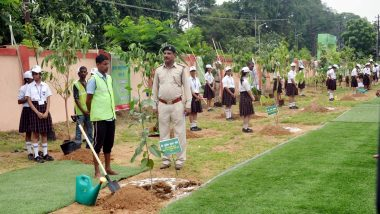 Mumbai: School Kids Plant 350 Trees Near Jogeshwari Station, Amid Protests Against Aarey Deforestation