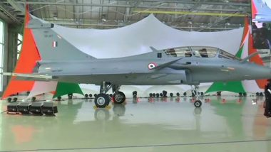 Rafale Fighter Boosts IAF Arsenal: Images of 1st 'Omnirole' Aircraft of Dassault Aviation Received by Defence Minister Rajnath Singh