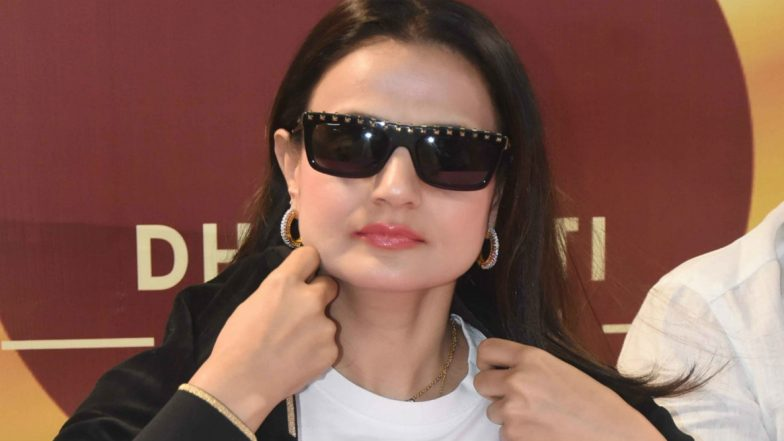 Warrant Against Bollywood Actress Ameesha Patel in Cheating and Cheque Bounce Case