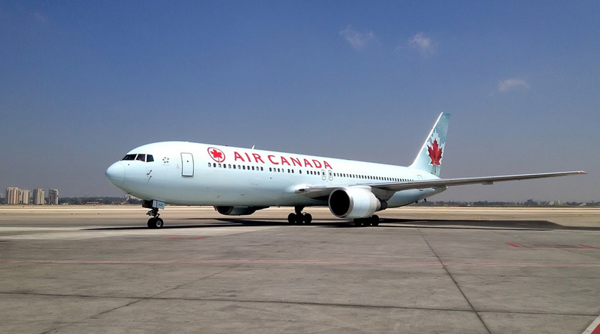 Air Canada to Stop Addressing Passengers As 'Ladies and Gentlemen'; to Use 'Everybody' in a Bid to Be Gender-Neutral
