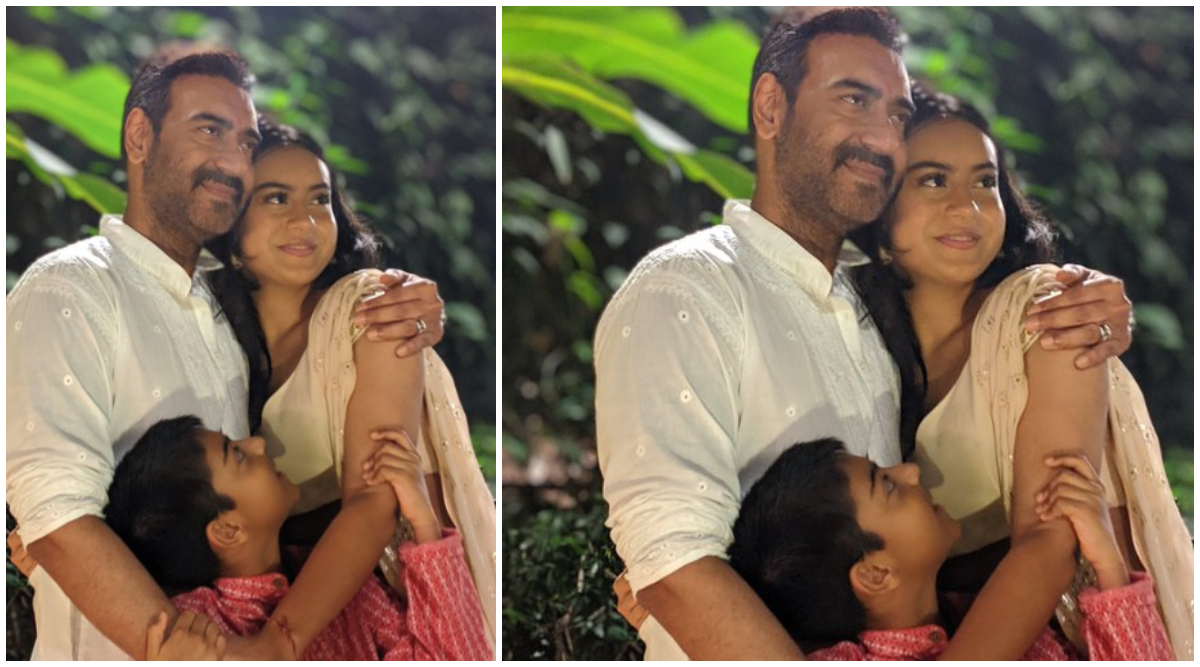 Ajay Devgn Poses for a Cute Picture With Kids Yug and Nysa, Wishes Fans on Gujarati New Year 2019
