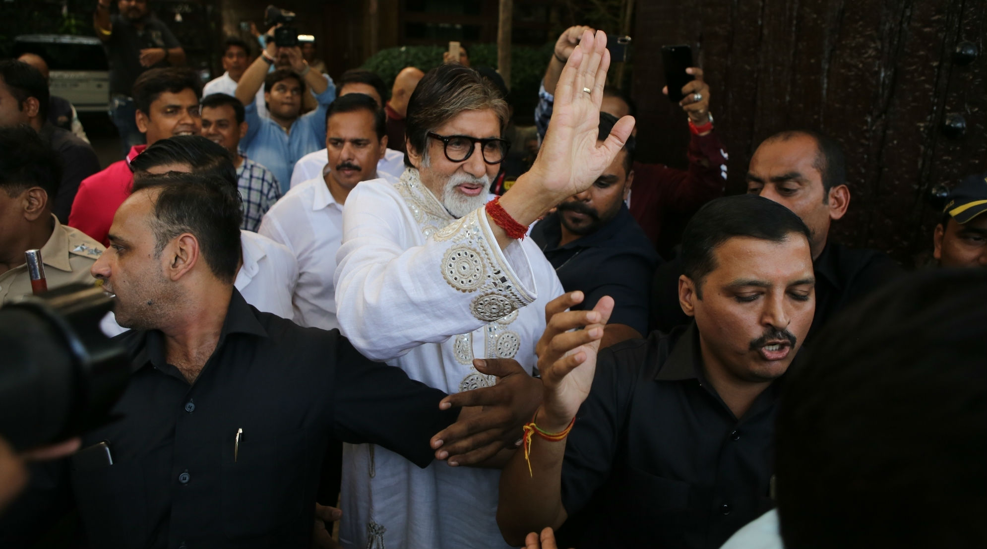 Amitabh Bachchan Health Update: Fans Confused About Big B's Health Condition After He Shares Karwa Chauth Post