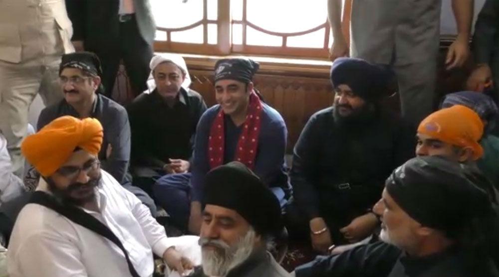 Pakistan: Bilawal Bhutto Zardari Celebrates Diwali at Gurdwara in Sindh