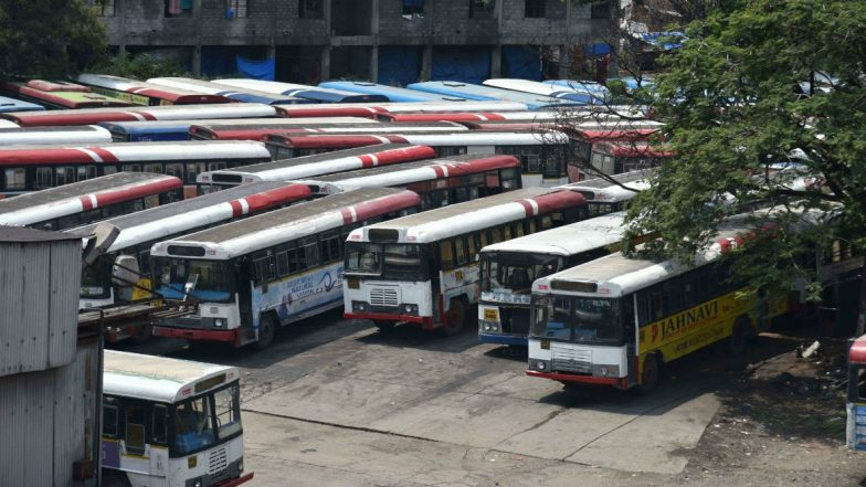 Telangana Transport Staff Strike: KCR Fires 48,000 TSRTC Employees; Protesting Workers Refuse to Budge