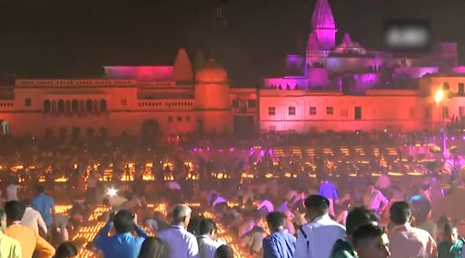 Diwali 2019: Over 5.5 Lakh Diyas Lit During 'Deepotsava' in Ayodhya, UP Govt Creates a New Guinness World Record; Watch Video