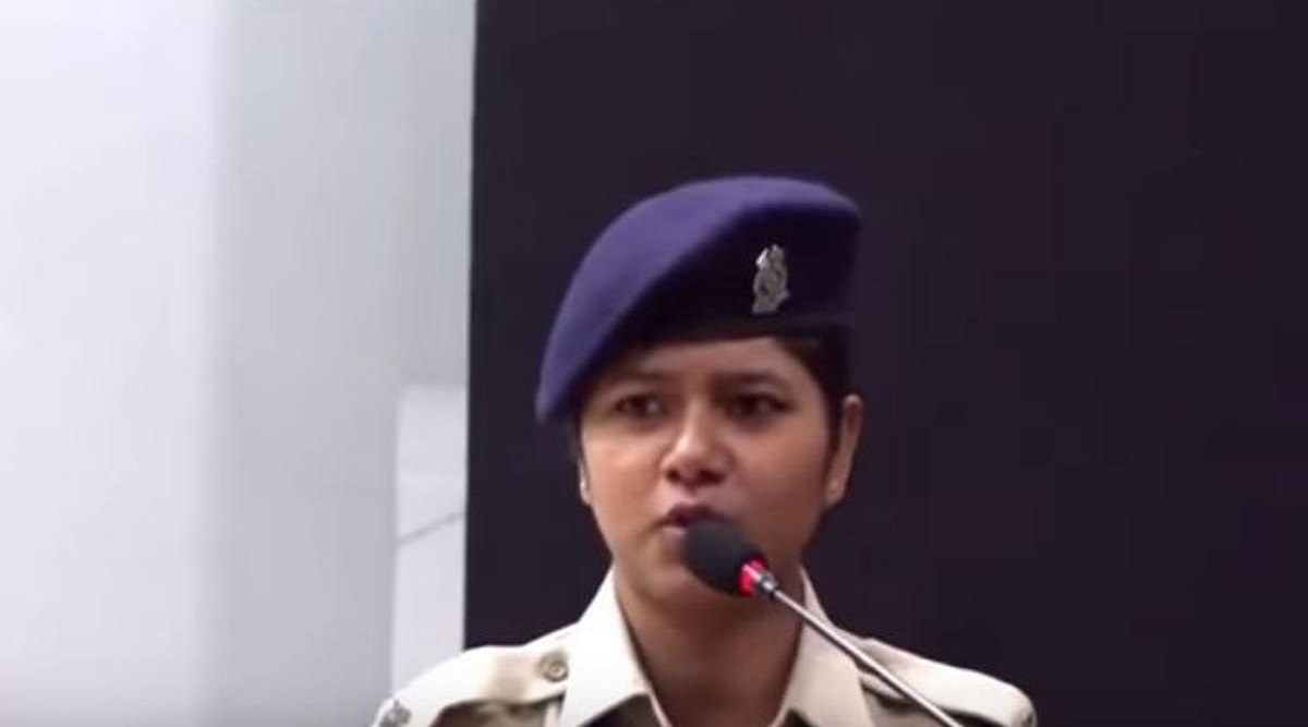 CRPF Asks Jawan Khusbhu Chauhan to be 'Cautious' After Her Fiery Speech Over JNU Protests Goes Viral