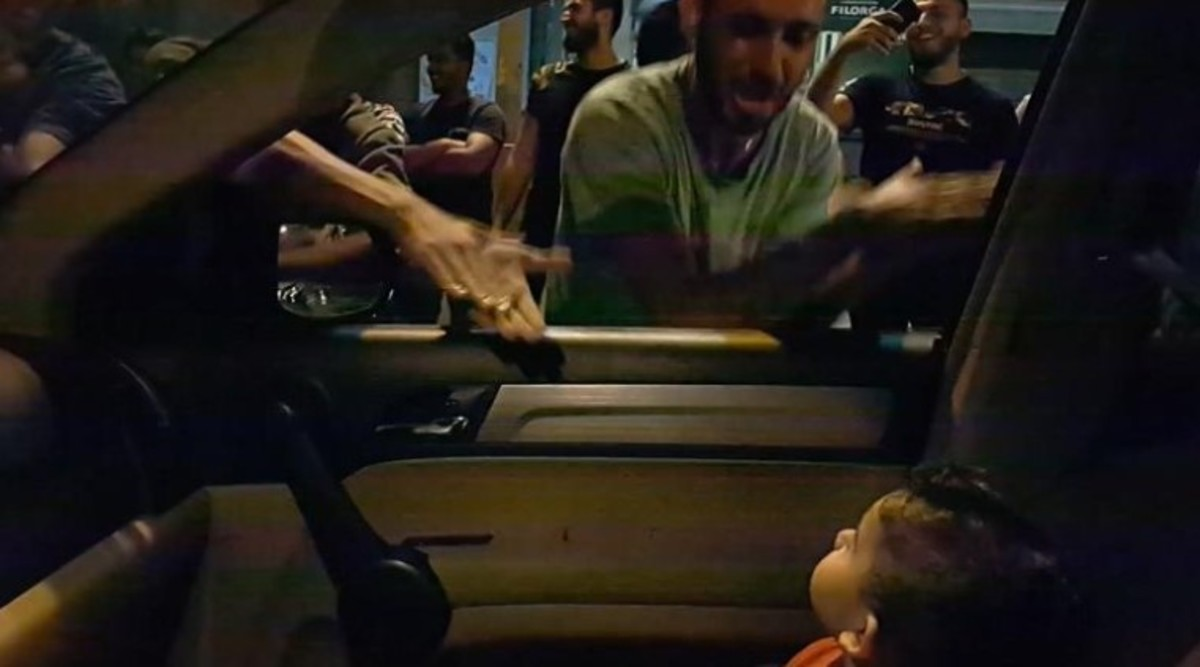 Lebanese Protesters Sing 'Baby Shark' To Comfort Toddler After His Mother Tells Them He is Scared, Heartwarming Video Goes Viral