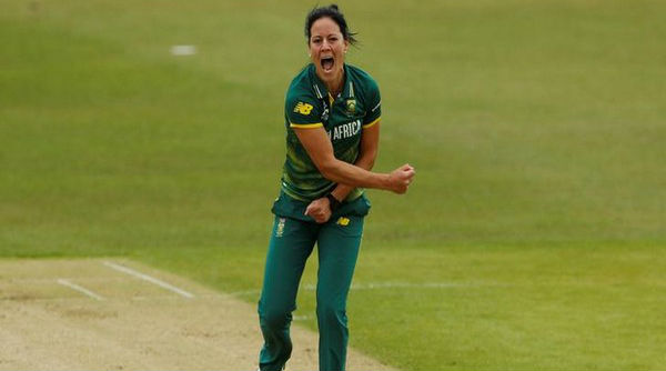 Women's Big Bash League 2019: South African Bowler Marizanne Kapp Becomes Fourth Bowler to Take Hat-trick