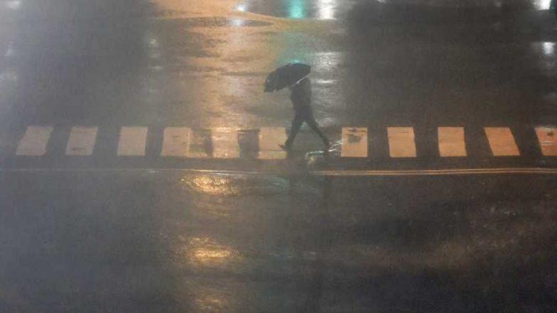 Mumbai Rains Return: Mumbaikars Shocked With Heavy Rainfall Combined With Gusty Winds in Navi Mumbai, Thane, Kalyan; Electricity Cut Off in Badlapur