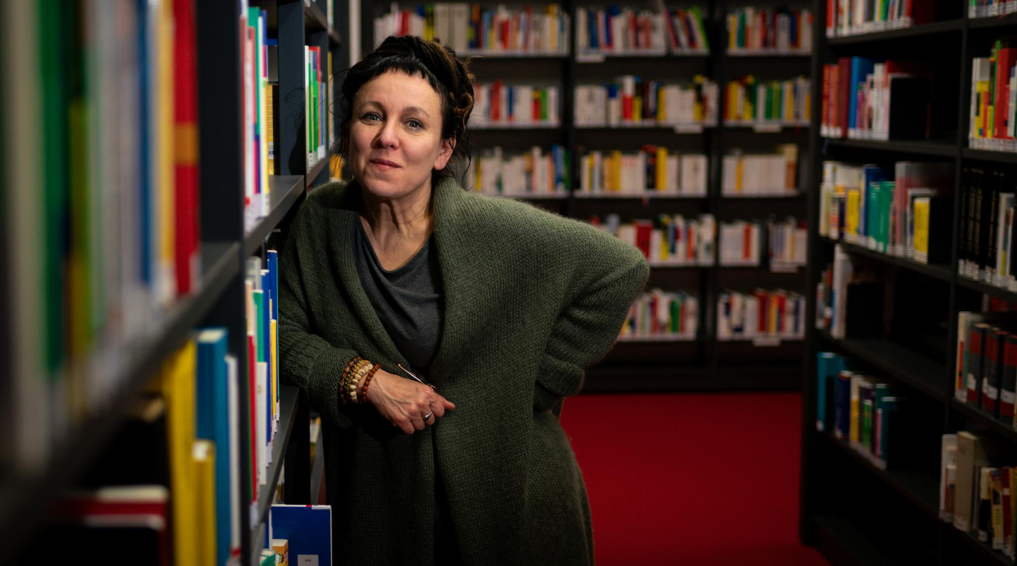 Poland Makes Public Transport Free in Wroclaw for Commuters Carrying Nobel Laureate Olga Tokarczuk's Book