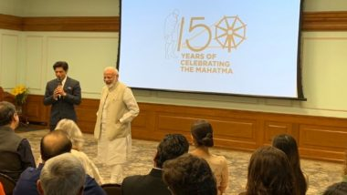 PM Narendra Modi Meets Shah Rukh Khan, Aamir Khan, Kangana Ranaut, Other Celebs, Discusses Ways to Popularise Mahatma Gandhi's Ideals on His 150th Birth Year