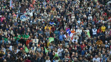 Paris: Thousands Protest French IVF Law for Single Women, Lesbians