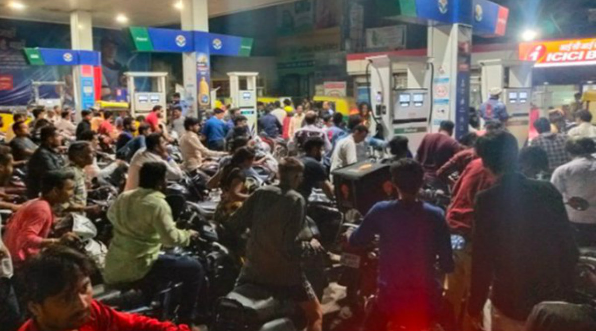 Petrol and Diesel Prices in India on February 13, 2020; Check Rates in Mumbai, Delhi and Other Metro Cities