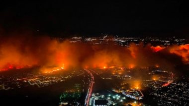US Wildfire: Saddleridge Fire Chars More Than 1,600 Acres in Sylmar, Thousand Evacuated; LA Firefighters Resort to Aerial Water Drop