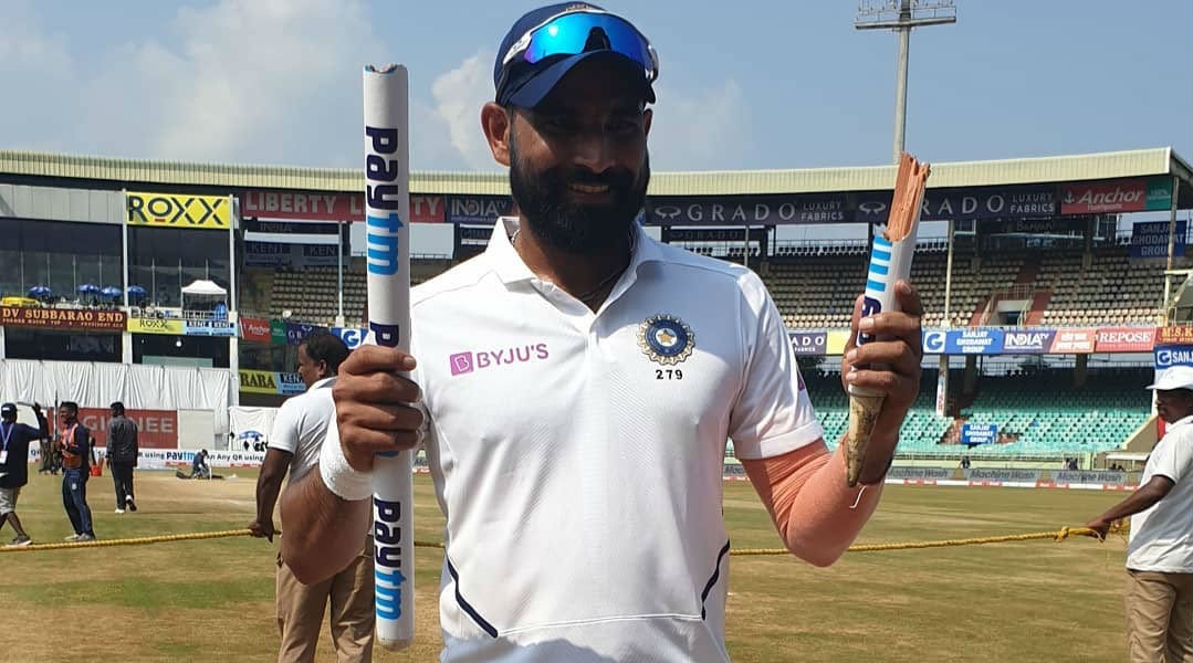 Mohammed Shami Poses with Broken Stump After India Beat South Africa By 203 Runs in 1st Test