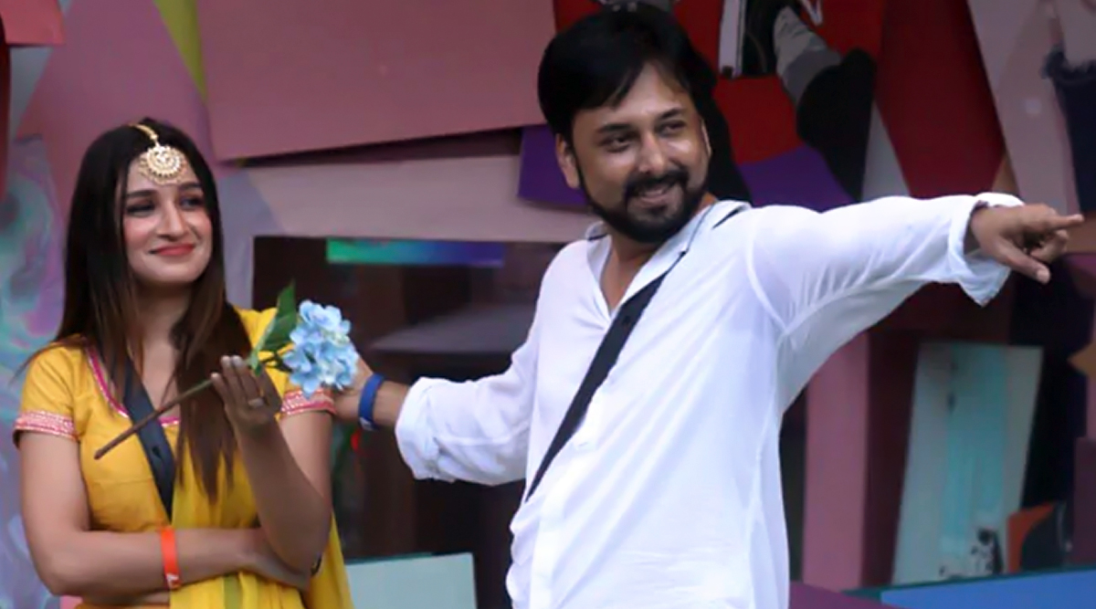 Exclusive: Bigg Boss 13: Evicted Contestant, Siddhartha Dey Has Something 'Desperate' to Say on His Bond With Shefali Bagga