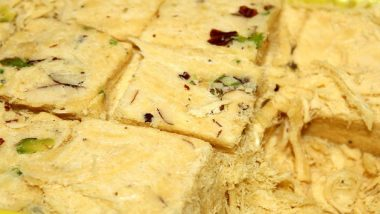 Diwali 2019: Food Department Seizes 40 Quintal of Substandard Soan Papdi in UP's Shahjahanpur, Buries Sweet Underground; Mafia Steals it at Night