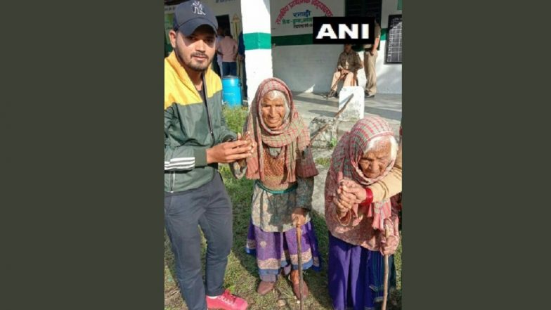 Uttarakhand Panchayat Elections 2019: 105-Year-Old Tara Devi, 103-Year-Old Kasturi Devi Cast Vote in Dunda Block of Uttarkashi