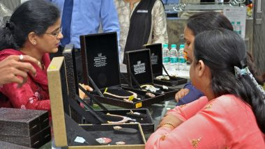 Economic Slowdown Dims Dhanteras Day as Gold Sales Dip Ahead of Diwali 2019