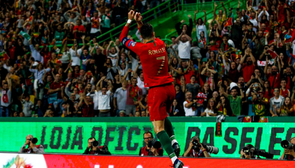 Cristiano Ronaldo Promises to Qualify for Euro 2020 After Scoring 700th Goal of His Career During Portugal vs Ukraine (Watch Video)