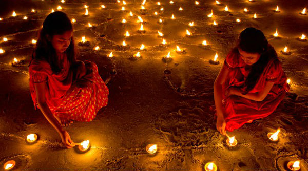 Ayodhya Diwali 2019: After Scripting 'World Record' With Over 6 Lakh Diyas at Sarayu Banks, Lord Ram's Birthplace Set For Massive Celebrations Tonight