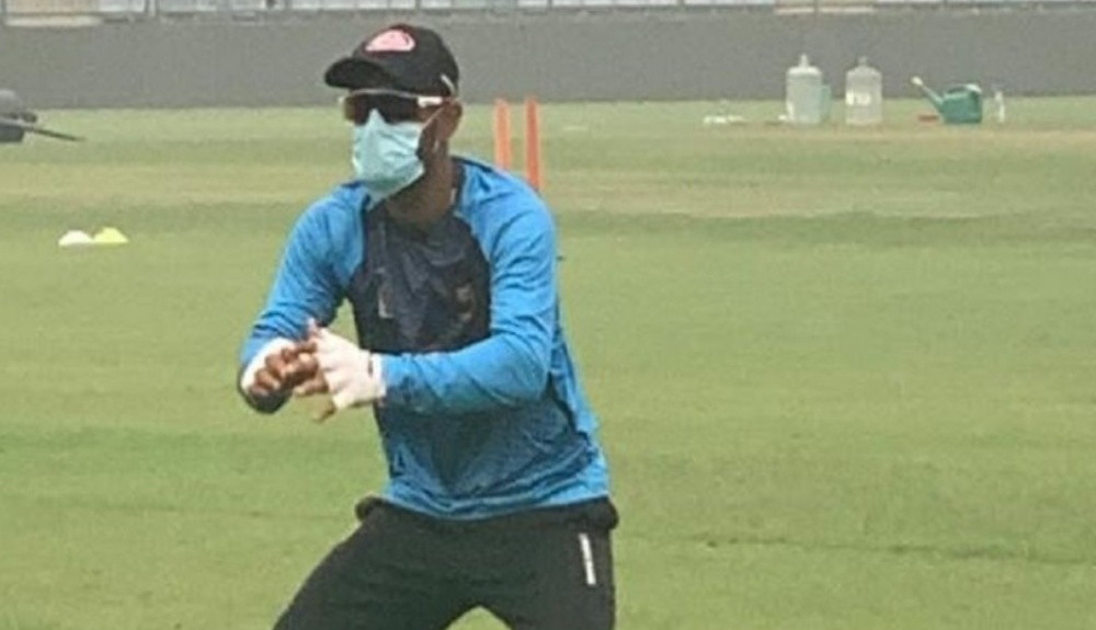 Liton Das Trains Wearing a Mask At the Arun Jaitley Stadium in Delhi Ahead of IND vs BAN, 1st T20I 2019 (See Pic)