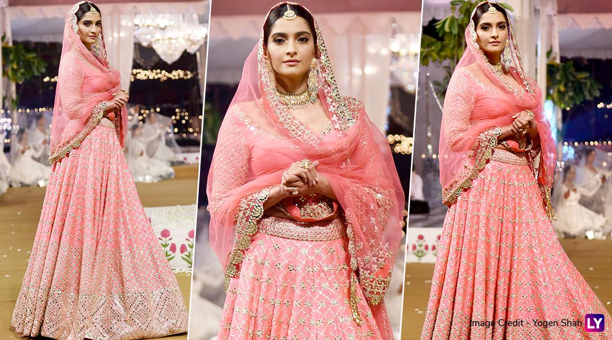 Sonam Kapoor Looks Every Bit of Beautiful in a Pink Lehenga as She Walks the Ramp for Abhinav Mishra's Show (View Pics)