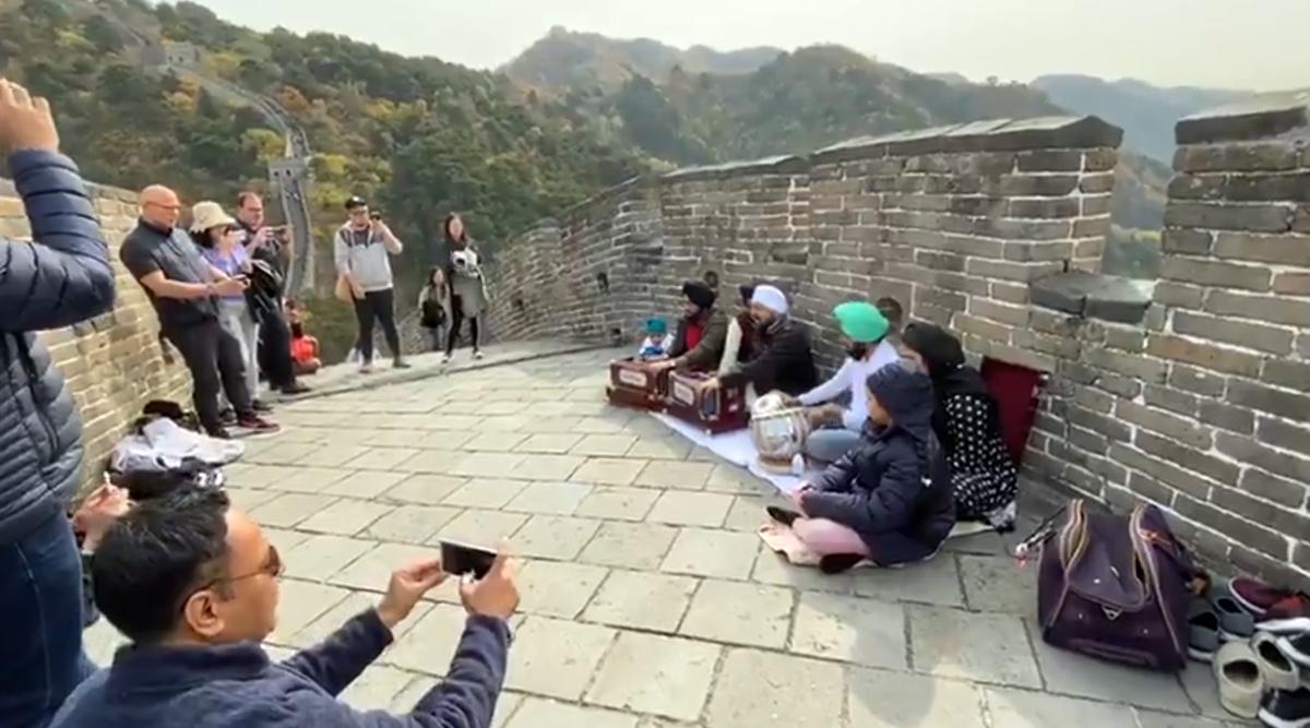 Gurpurab 2019: Shabad Kirtan on the Great Wall of China Goes Viral (Watch Incredible Video)