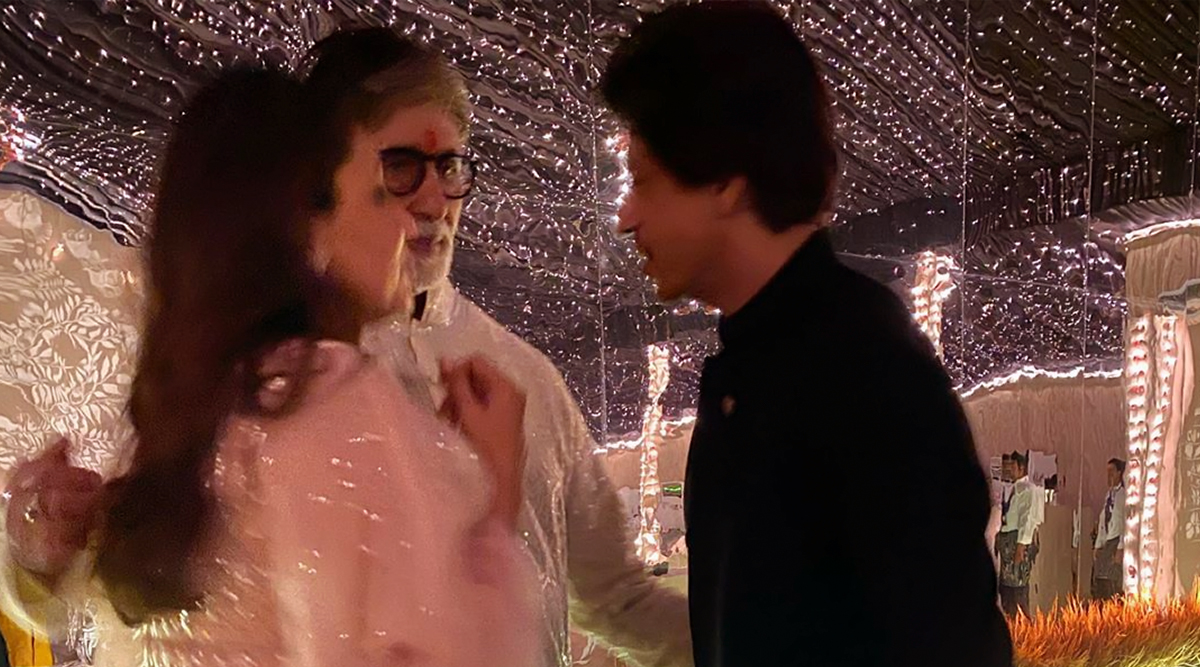 Amitabh Bachchan Shares a Precious Picture with Shah Rukh Khan and Gauri Khan from his Diwali Bash This Year (View Pic)