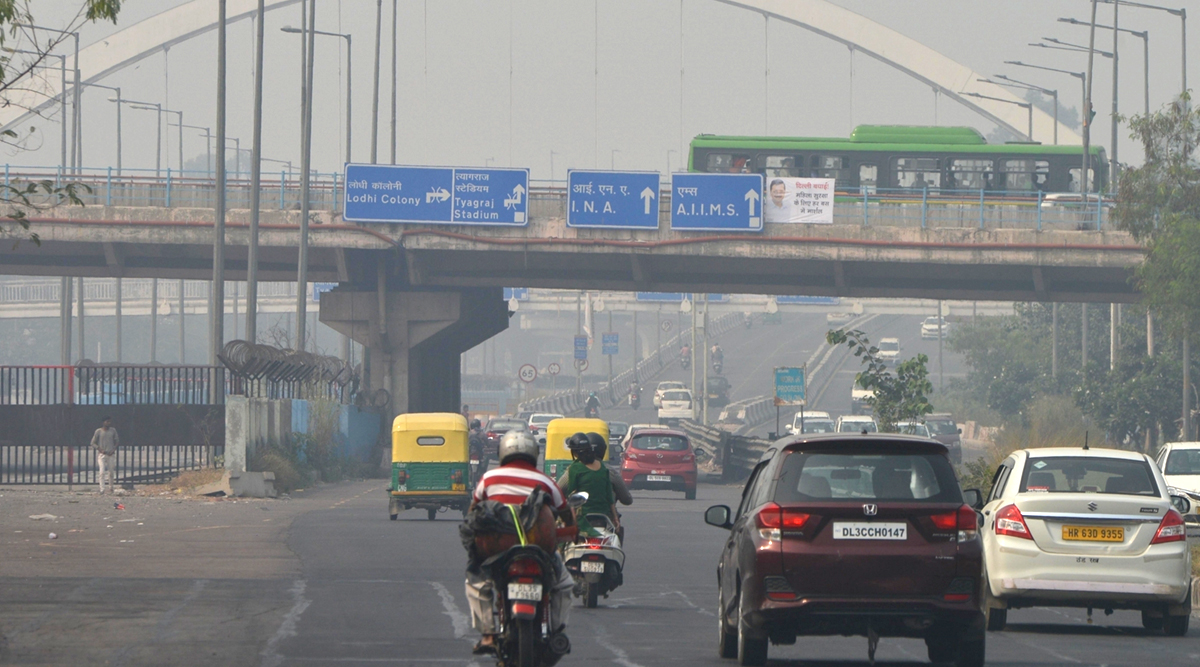 Delhi Air Pollution: Smog Engulfs National Capital, Air Quality Continues To Remain in 'Severe' Category, AQI Hovers Around 500-Mark