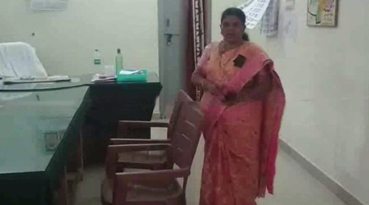 Andhra Pradesh: Woman Tehsildar in Kurnool Ties Rope In Her Office to Protect Herself From Visitors