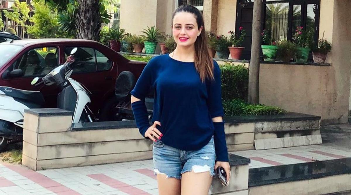 Meet Minakshi Sharma, Punjab Film Industry's 23-Year-Old Talented Actress-Model
