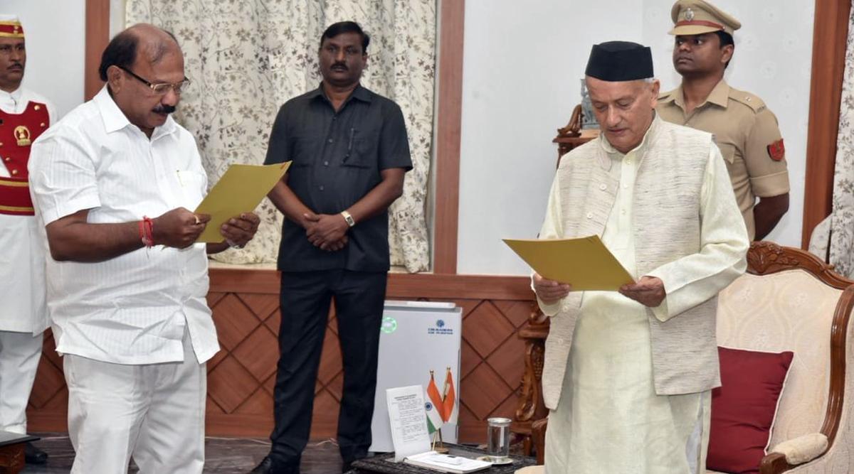 Kalidas Kolambkar of BJP Takes Oath as Pro-Tem Speaker of Maharashtra Assembly