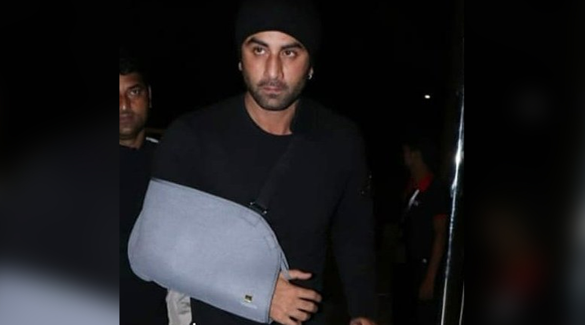 Ranbir Kapoor Spotted With His Hand in a Sling; Fans Concerned About His Injury (View Tweets)