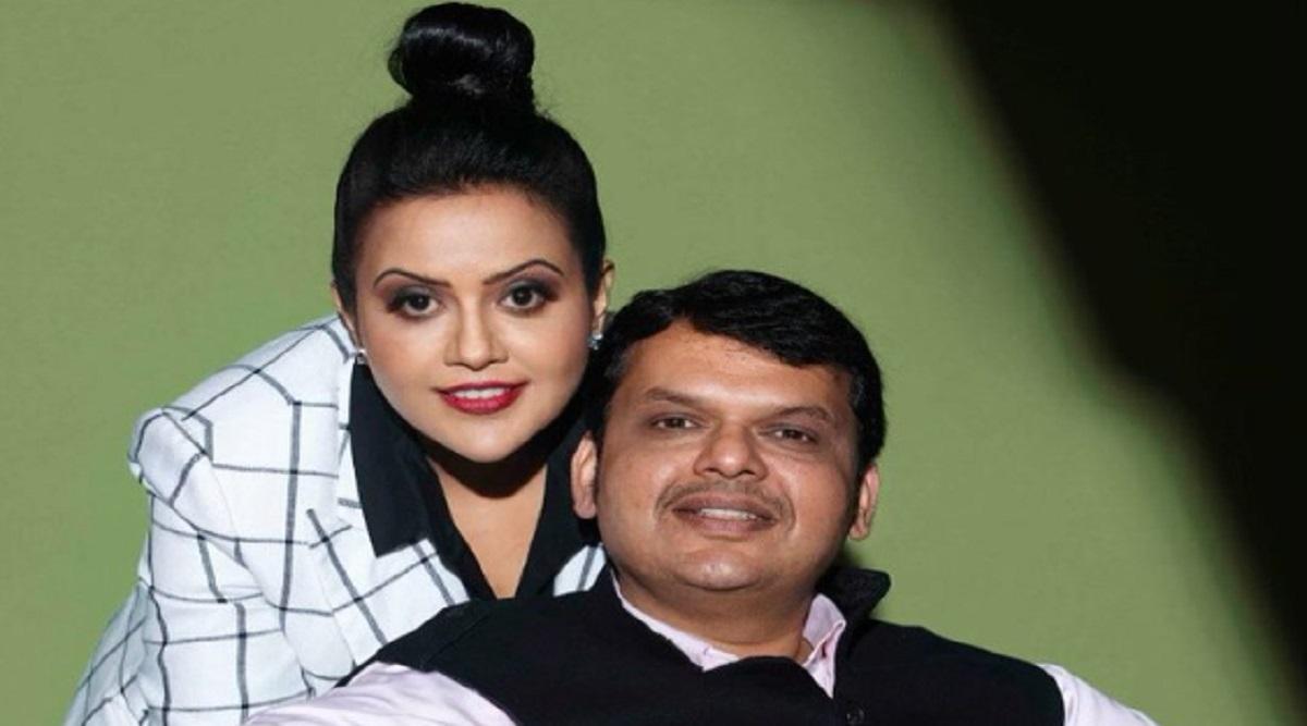 Amruta Fadnavis Leaves Emotional Message on Twitter After Husband Devendra Fadnavis Resigns as Maharashtra CM, Says 'Will Return Soon'
