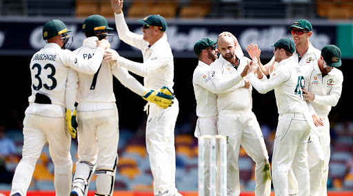 Australia vs Pakistan Live Cricket Score, Day-Night Test 2019 Day 1: Get Latest Match Scorecard and Ball-by-Ball Commentary Details for AUS vs PAK Test From Adelaide Oval