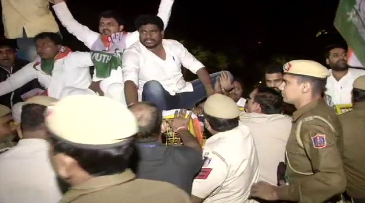 Congress Protests Outside Amit Shah's House After SPG Cover Gets Revoked For Gandhi Family