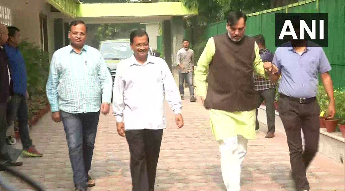 Odd-Even Scheme: Delhi CM Arvind Kejriwal Carpools with Satyendar Jain and Gopal Rai on First Day of Implementation