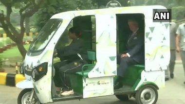 Prince Charles Visits Indian Meteorological Department, Leaves Mausam Bhawan in a Battery-Operated Rickshaw