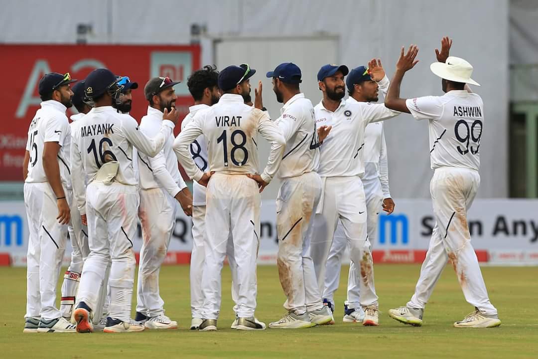India Demolish Bangladesh by an Innings and 130 Runs in 1st Test, Twitterati Goes All Praises for Virat Kohli's Men