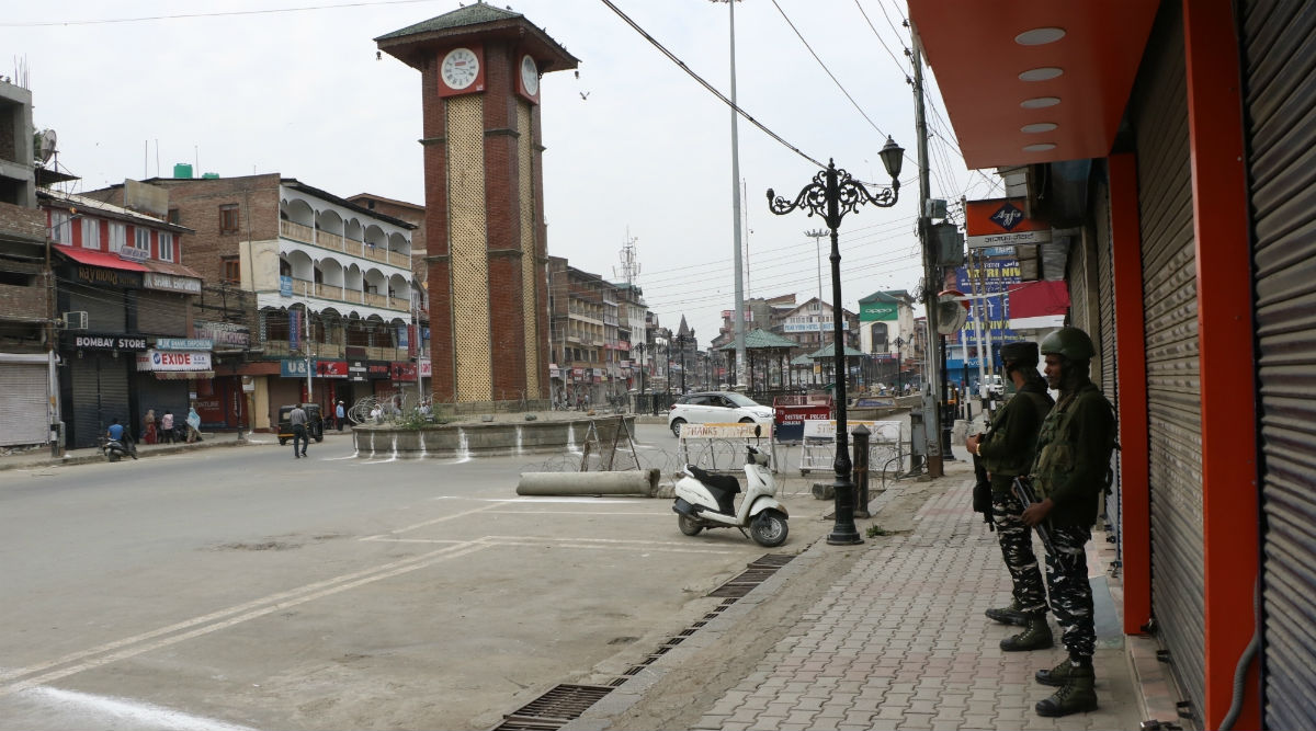 Jammu and Kashmir: 2G Mobile Internet Services Restored in Srinagar After It Was Snapped Due to Nawa Kadal Encounter