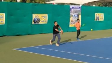 MS Dhoni Plays Tennis at JSCA Stadium Complex in Ranchi, Video Goes Viral on Social Media